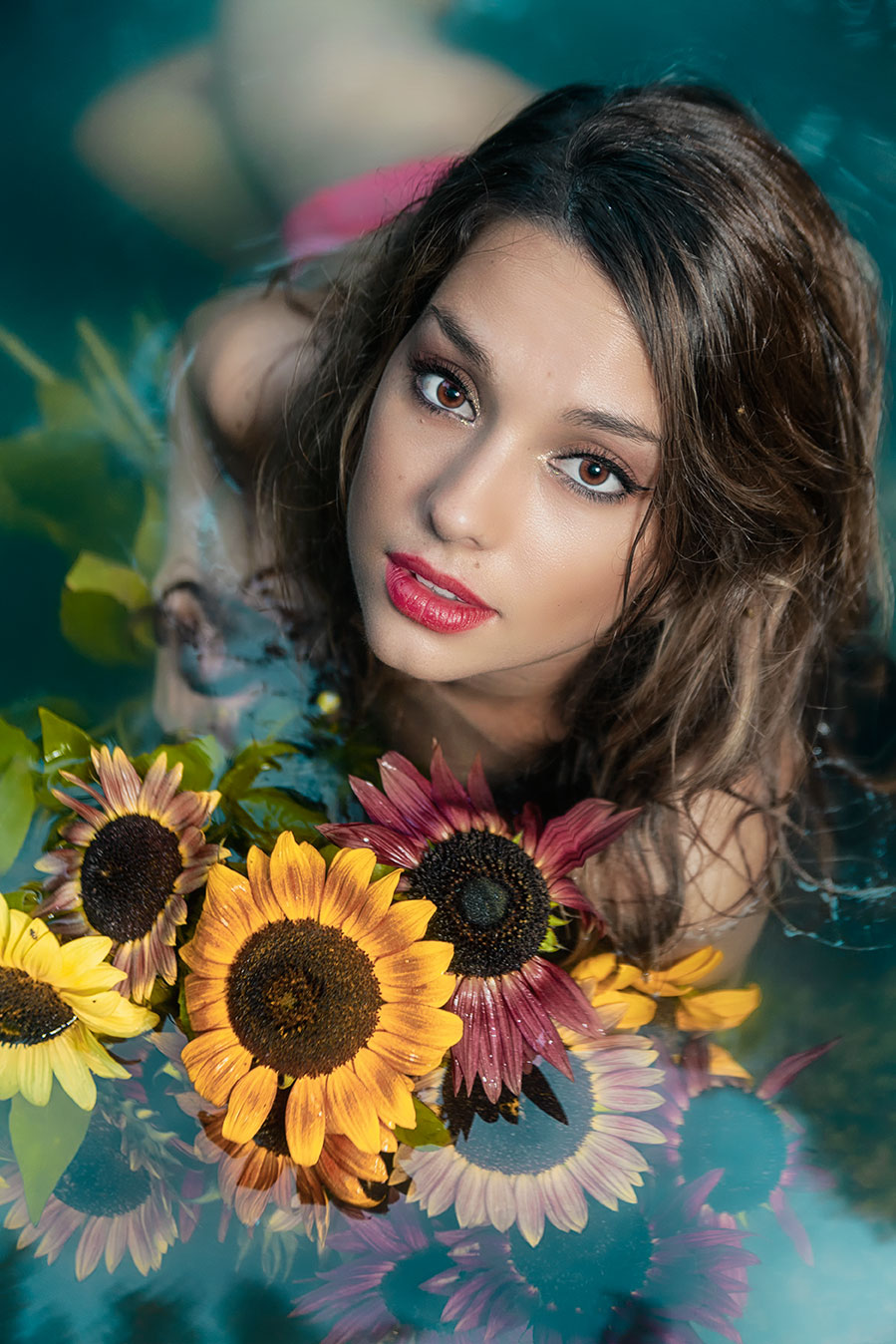 03-portrait-margot-eaux-bourboule-bouquet-tournesol-03