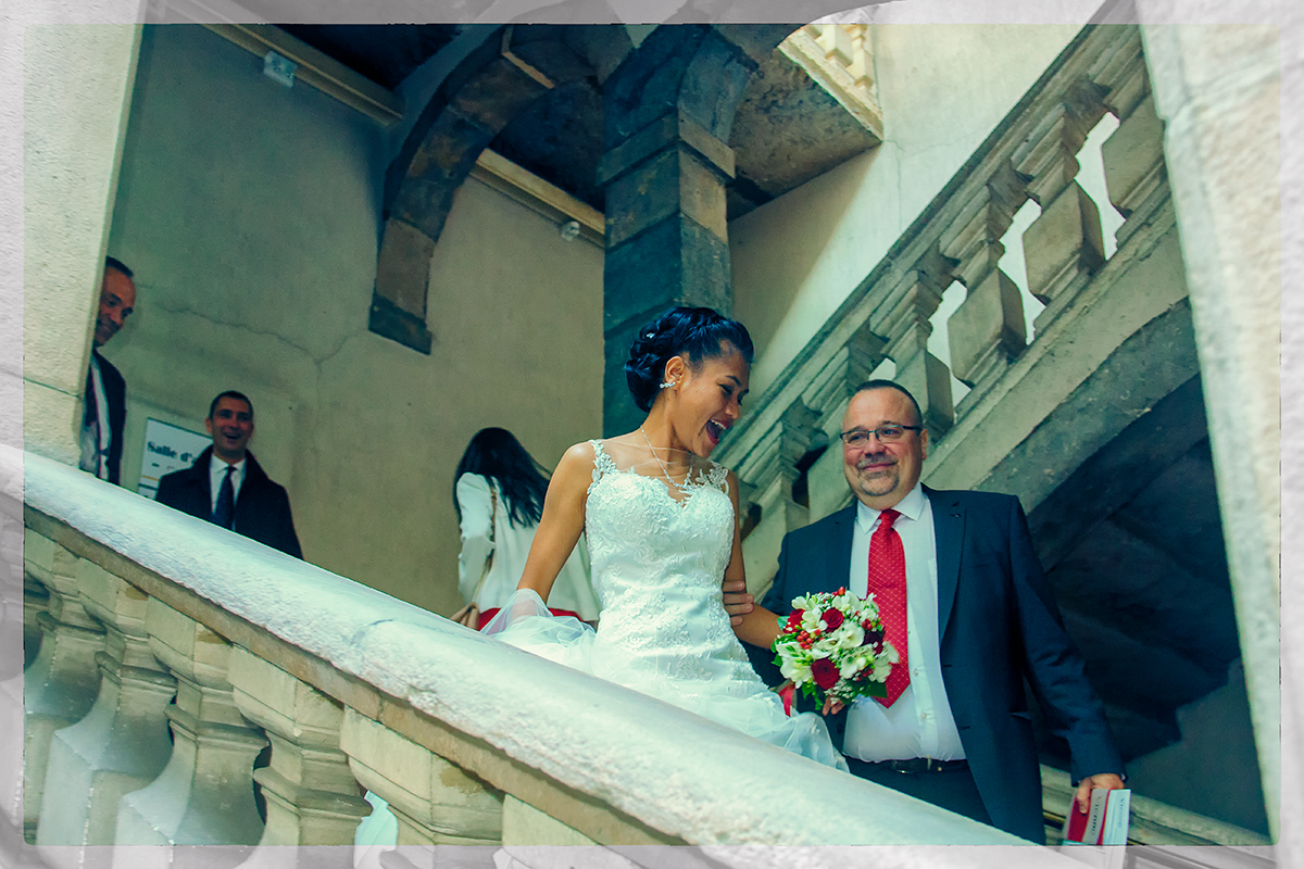 03-mariage-thierry-escalier-mairie
