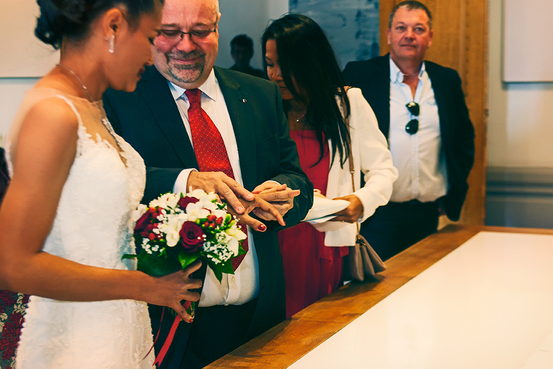 03-mariage-thierry&On-mairie-alliance-couleurs-res72